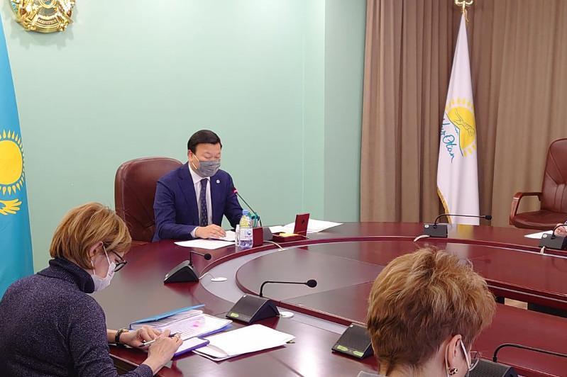 Глава Минздрава провел встречу с постоянным представителем ПРООН в РК