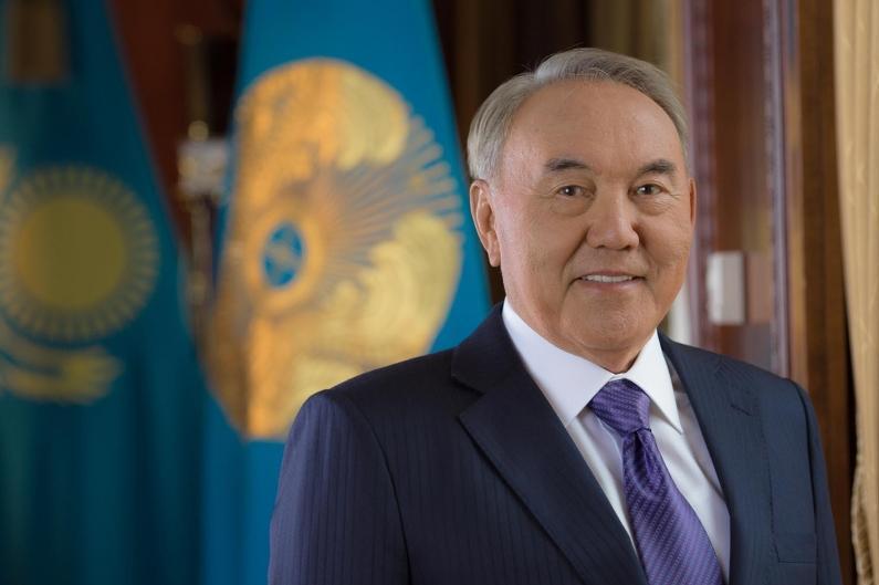 海内外各界知名人士纷纷致电祝贺哈萨克斯坦首任总统日