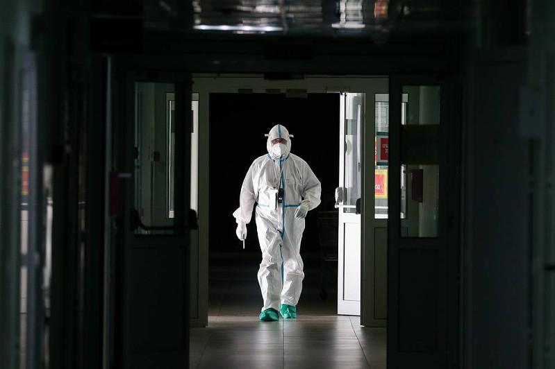 Ресейде коронавирустан бір тәулік ішінде 596 адам қайтыс болды