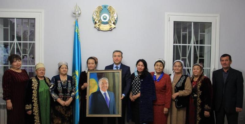 Казахи Туркменистана поздравили казахстанцев с Днем Первого Президента РК