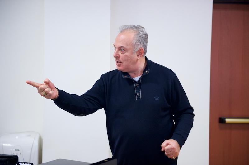 Поющей нацией назвал казахстанцев основатель школы оперного пения в Милане