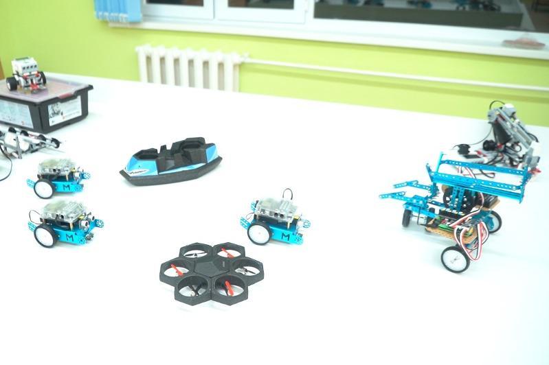 Роботы и дроны создают сельские  школьники Атырауской области