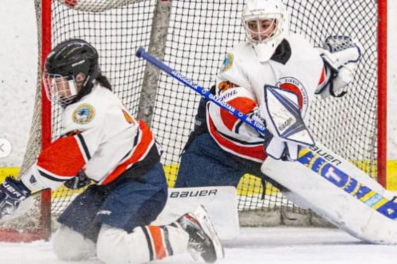 哈女子冰球队在欧洲杯赛再夺胜利