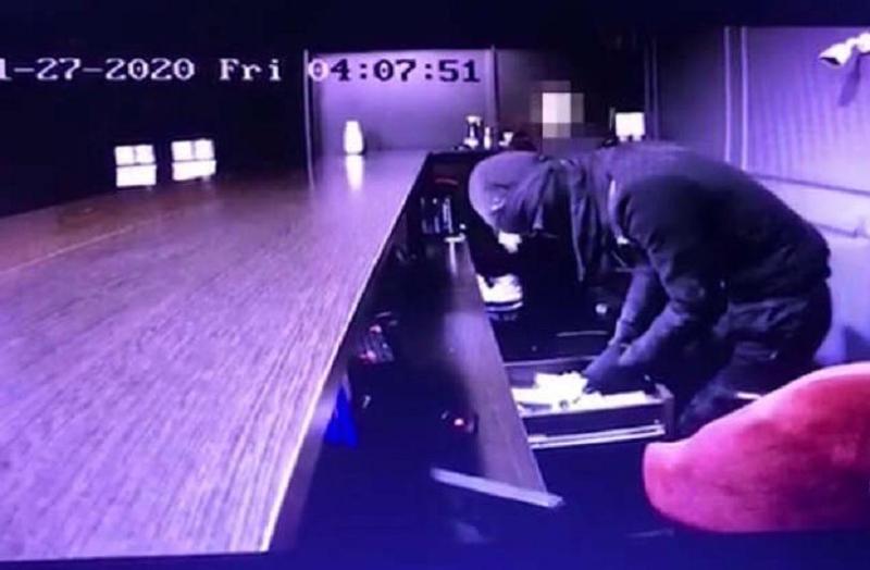 Разбойное нападение на букмекерскую контору в Шу попало на видео