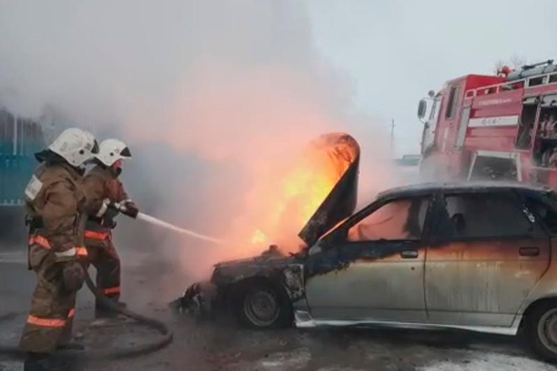 Три автомобиля сгорели за сутки в ВКО