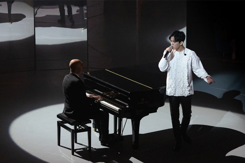 Dimash Kudaibergen performs at Victoria 2020 Music Awards