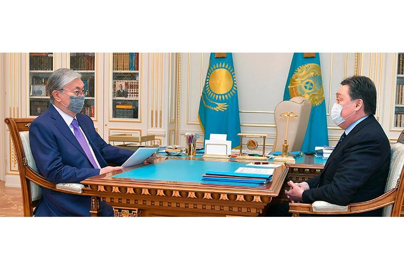 Tokayev briefed on progress of Kazakh COVID-19 vaccine development