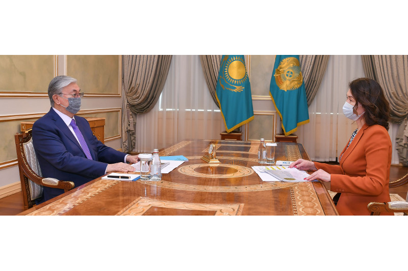 President receives head of Agency for Civil Service Affairs