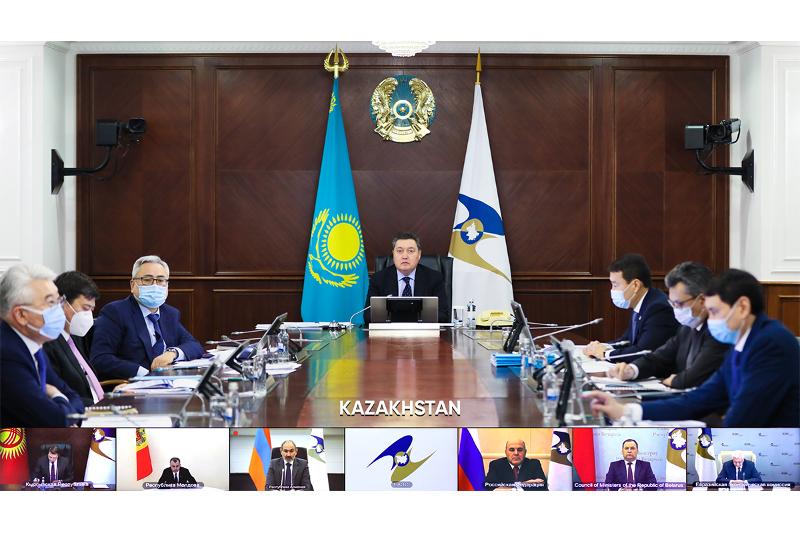 Аскар Мамин предложил усилить инвестиционную деятельность в ЕАЭС