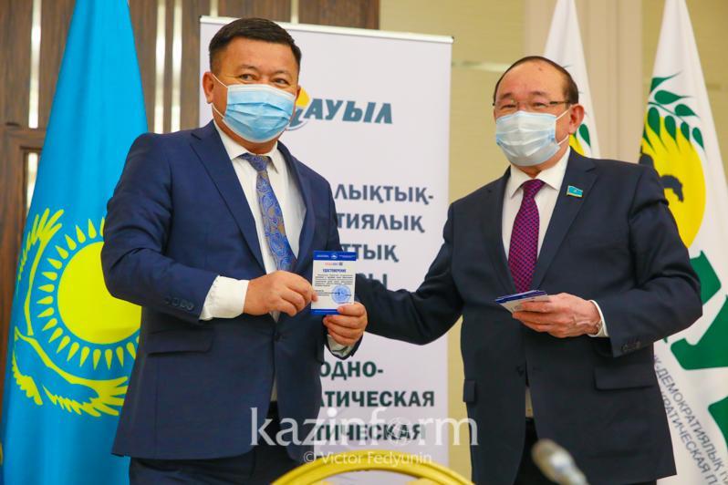 «Aýyl» partııasynan QR Parlament Májilisiniń depýtattyǵyna úmitkerler kýálik aldy