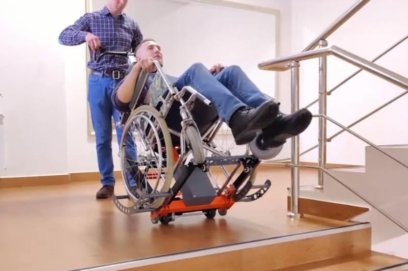 Мобильный подъемник для лиц с ограниченными возможностями изобрел карагандинец