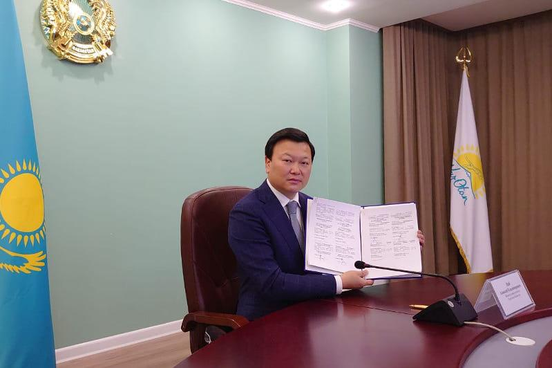Kazakhstan launches production of Russia's COVID-19 vaccine