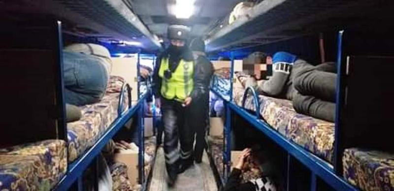 Атыраудан Шымкентке жолаушы тасымалдаған «плацкарт» автобус ұсталды