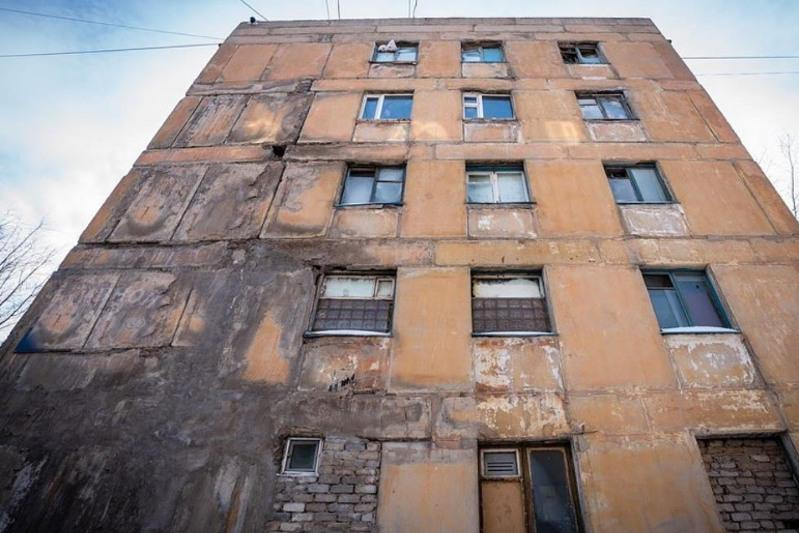 Признанное аварийным общежитие снесут в Нур-Султане