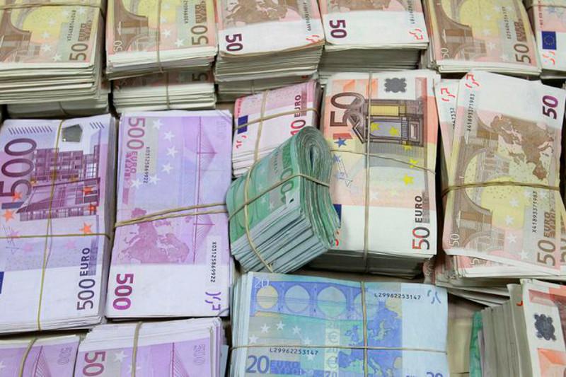亚行和亚投行将向哈萨克斯坦提供15亿欧元抗疫贷款