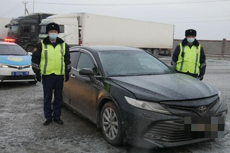 Қызылордада полицейлер Алматыдағы автосалоннан ұрланған көлікті тапты
