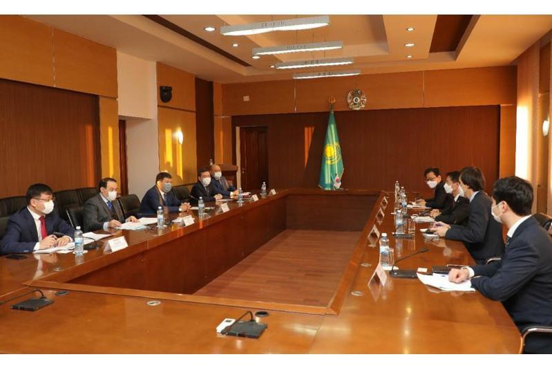韩国驻哈大使访问阿特劳州
