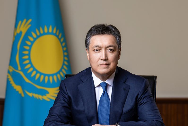 政府总理:哈萨克斯坦展现出高度稳定的国民经济水平