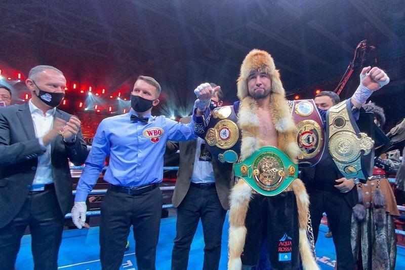 Кәсіпқой бокс: Айдос Ербосынұлы чемпиондық белдіктерін қорғап қалды