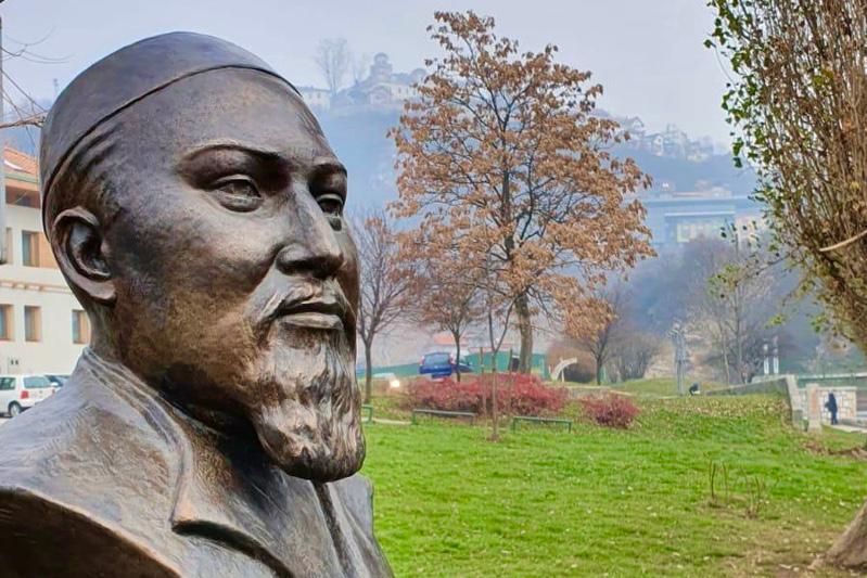 Ко Дню независимости Казахстана в Сараево установлен бюст Абая