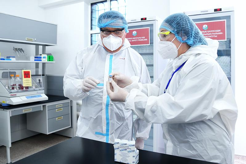Kazakhstan to vaccinate 3,000 volunteers with domestic QazCovid-in
