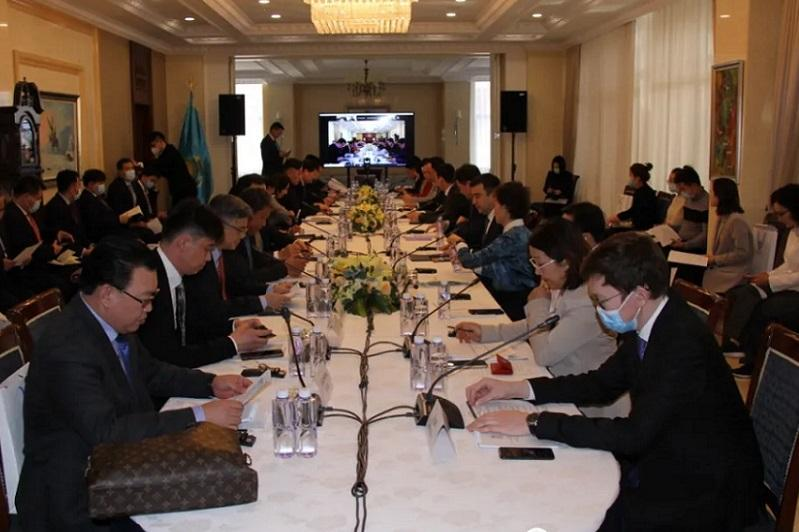 哈萨克斯坦驻华大使馆在北京举行投资圆桌会议