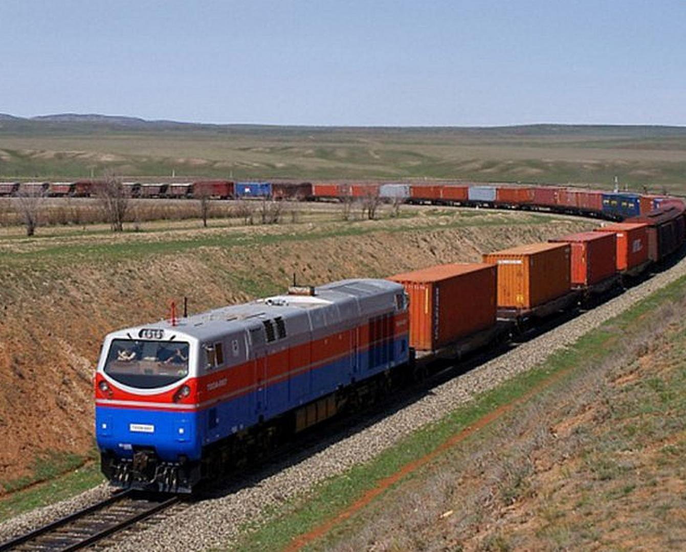 Более 10 тысяч поездов отправлено по железнодорожному экспрессу «Китай - Европа» в 2020 году