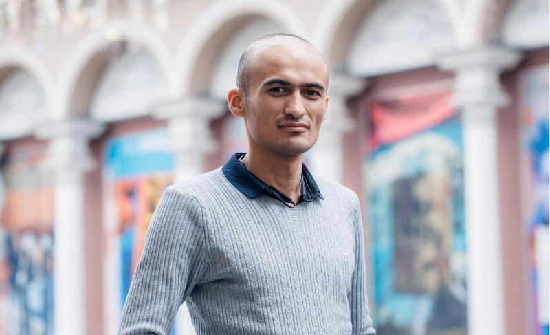 Устами волонтера: Латиф Парпиев о работе, жизни и помощи детям