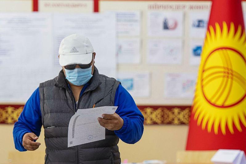 Явка на выборах президента Кыргызстана по состоянию на 10 часов составила 2,8% -  ЦИК КР