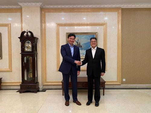 中国外交部副部长:中哈关系发展面临重要机遇