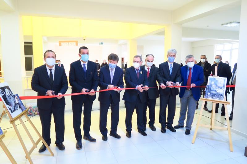 Уголок Абая открыли в университете Тракья в Турции