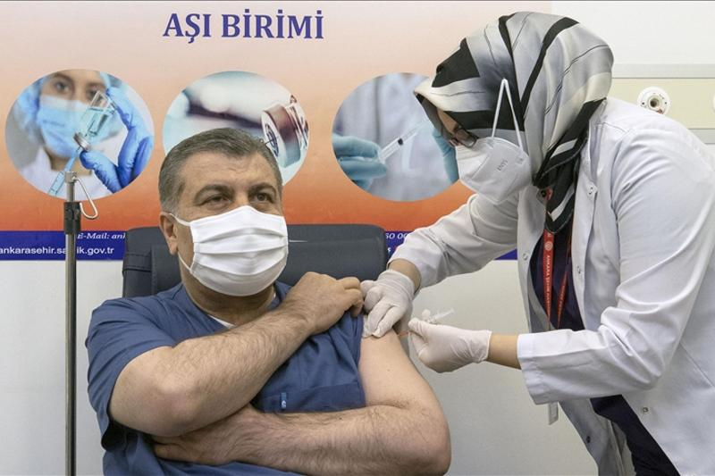 Турция начала вакцинацию против коронавируса