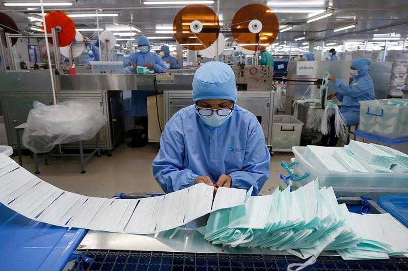 China exports over 224 billion masks to assist global COVID-19 fight