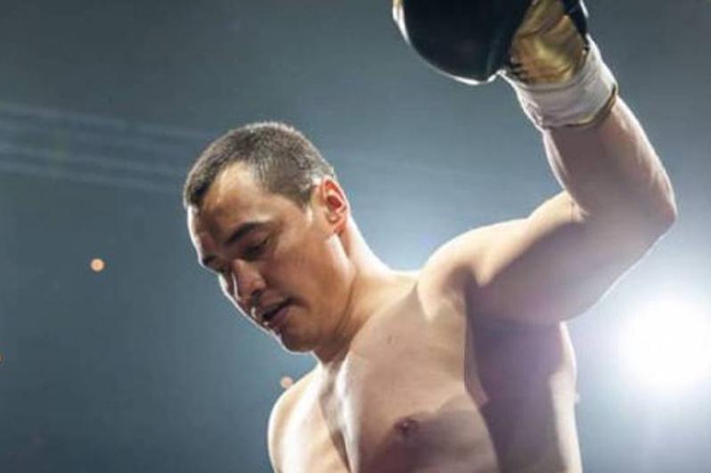 Қозоғистонлик нокаутчи супероғир вазнда WBA титули учун жанг ўтказади