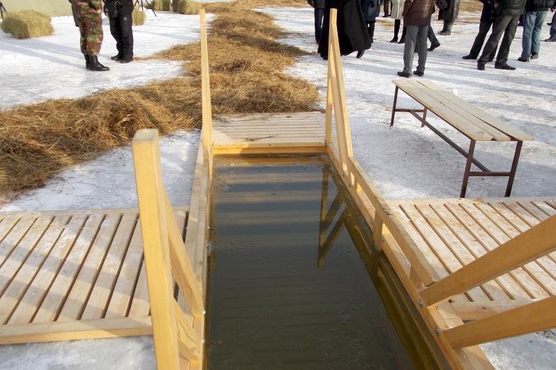 Массовые купания на Крещение запретили в Акмолинской области