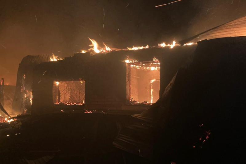 90% ожогов тела получила девушка во время пожара в СКО