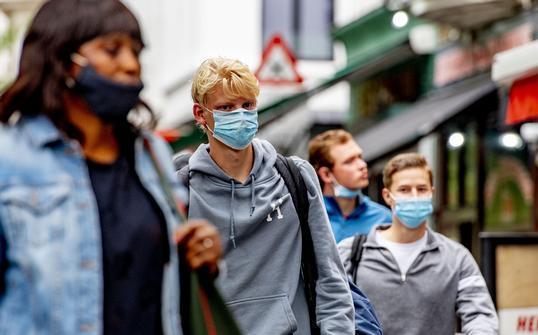 欧洲疫情严峻 各国加强防疫措施
