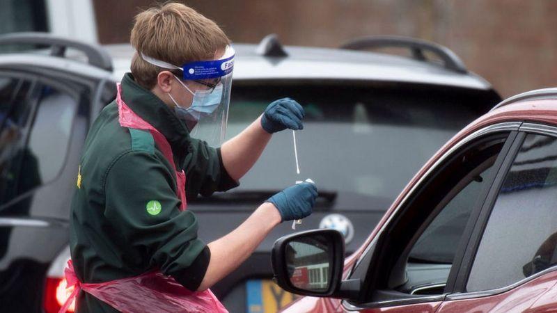 Коронавирус в мире: британский штамм может быть более смертоносным