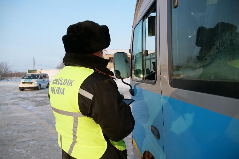 Таксиста-нелегала в наркотическом опьянении задержали в СКО