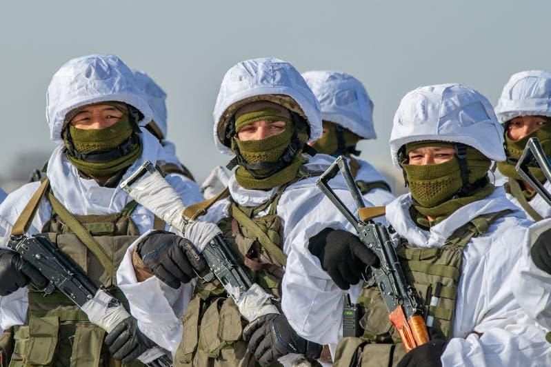 哈萨克斯坦武装力量开展冬季特训