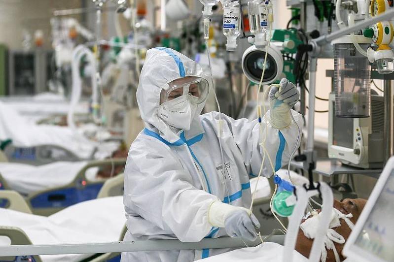 全球新冠确诊人数超过9900万