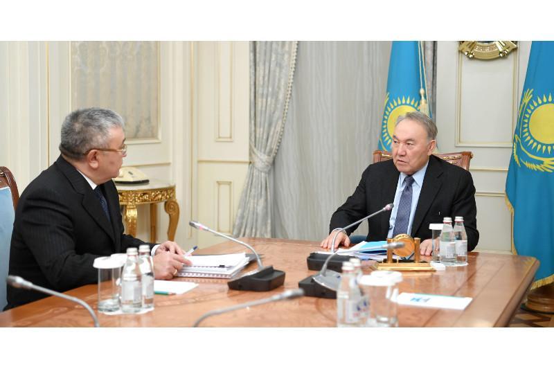 Нұрсұлтан Назарбаев Жоғары Сот Кеңесінің төрағасын қабылдады
