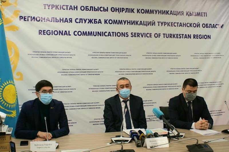 Сначала медработникам поставят прививку от коронавируса в Туркестанской области