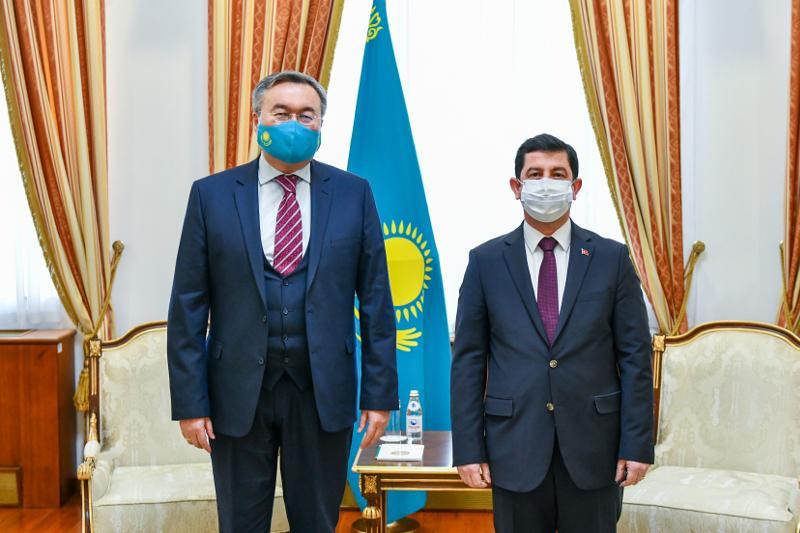 Пути укрепления культурно-гуманитарных связей рассмотрели глава МИД РК и посол Турции в Казахстане