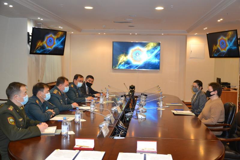 Казахстанских волонтеров научат первичным навыкам при ЧС