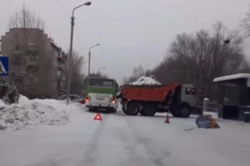 Два автобуса попали в ДТП в Семее