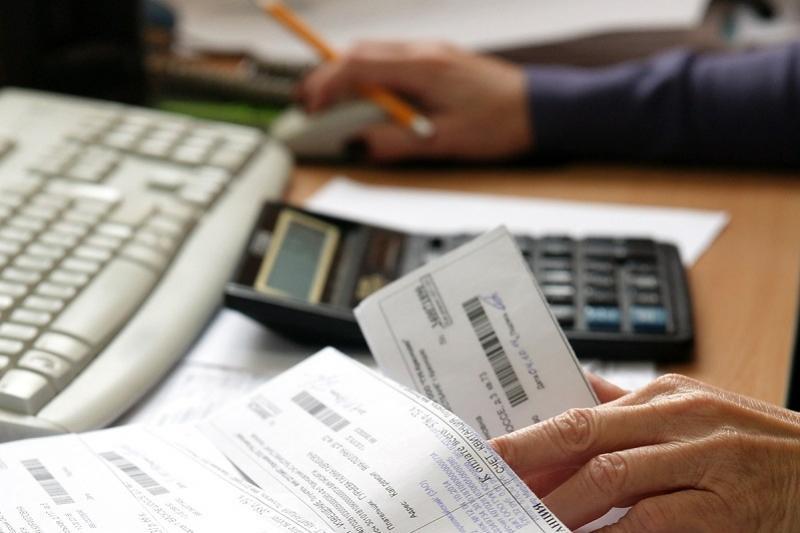 Депутат просит разобраться с сильно возросшими суммами в квитанциях по оплате комуслуг