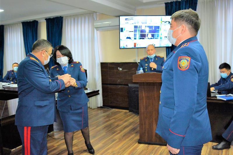 Лучших полицейских наградили в Туркестанской области