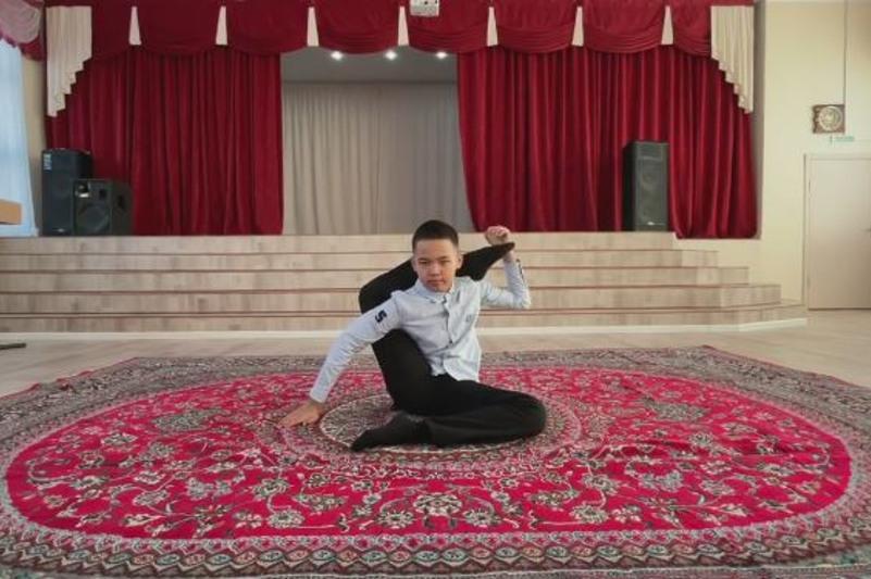 «Пластилиновый» мальчик из Актау мечтает стать кюйши