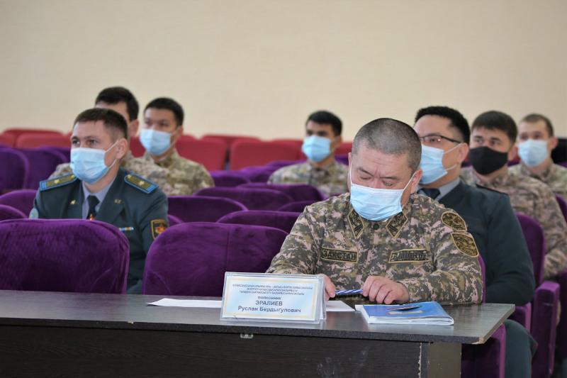 Жемқорлықпен күрес: Атырауда әскерилер арасында жасырын сауалнама жүргізілуде